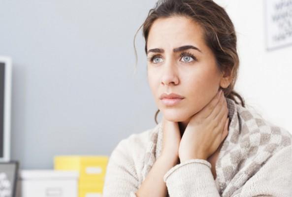 Boğaz ağrısına sıcak yerine soğuk uygulama tavsiyesi