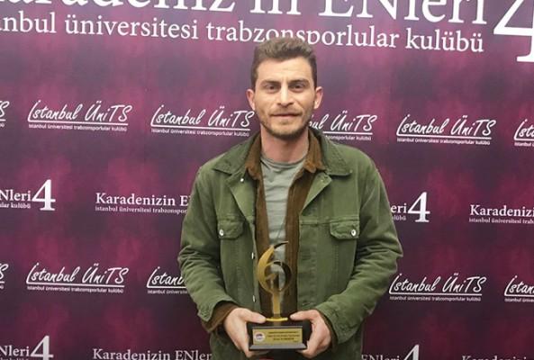 'Karabatak'a en iyi erkek oyuncu ödülü