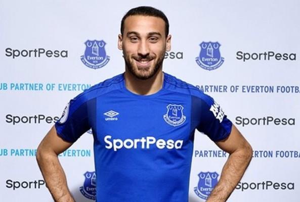 Everton'ın yeni penaltıcısı Cenk Tosun oldu