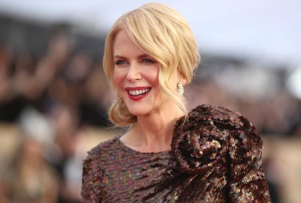 Nicole Kidman'ın kulağı ilgi çekti