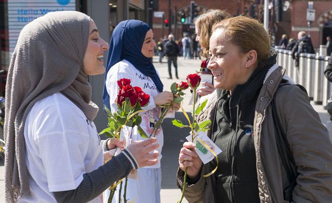 """Londra'da """"Buyrun, Ben Müslüman'ım"""" etkinliği"""