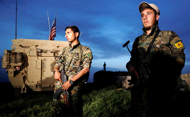 Rus Uzman YPG'ye Böyle Seslendi: Arkanıza Dönüp Baktığınızda...