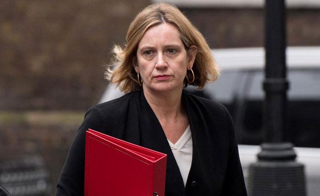 Yalan Beyan, İngiltere İçişleri Bakanını İstifa Ettirdi