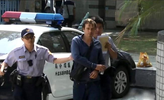 İngiliz turist, dövmesi yüzünden dayak yedi
