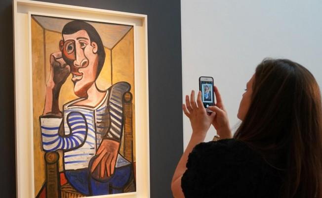 İş adamı Picasso tablosunu satılamayacak duruma getirdi