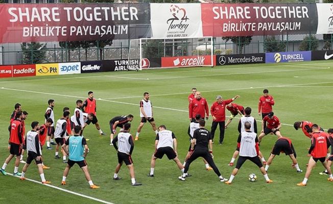 A Milli Futbol Takımı Rusya maçı hazırlıklarını sürdürdü