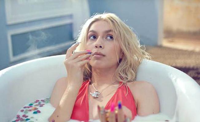 Aleyna Tilki yönetmen koltuğuna oturdu