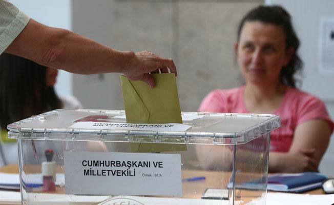 İlk oylar sandıkta yerini aldı