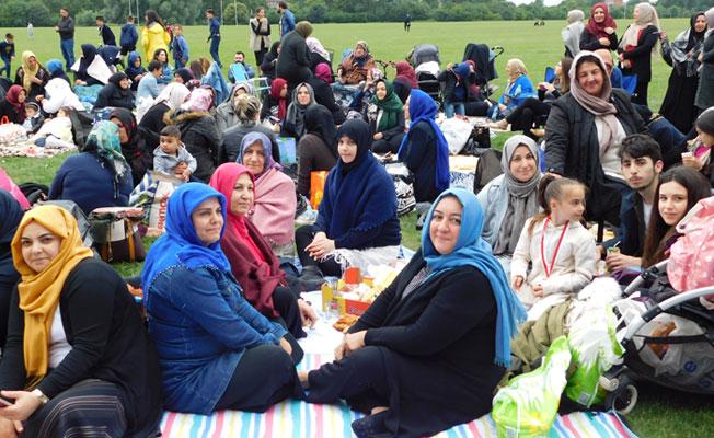 Londra'daki Pekünlüler 'Bayram Şenliği'nde Buluştu