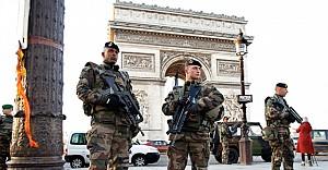 Fransa'da, İnsan Hakları Bildirgesi askıda!