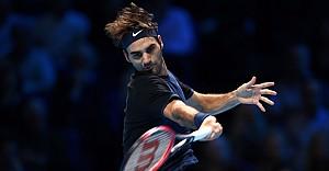 Roger Federer kayıpsız yarı finalde