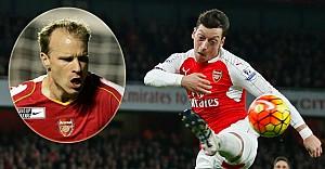 Wenger, Mesut Özil'i Bergkamp'a benzetti