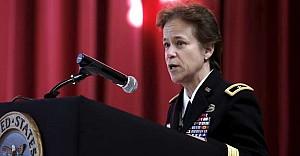 İlk Kadın Kara Kuvvetleri Komutanı