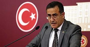 Eski milletvekili Özkes CHP'yi topa tuttu