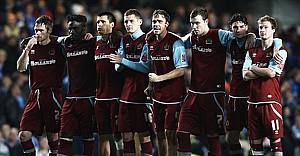 Burnley yeniden Premier Lig'de