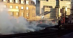 Londra'da tren istasyonu yangını korkuttu