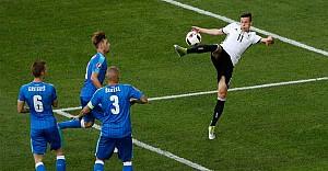 Almanya: 3 - Slovakya: 0