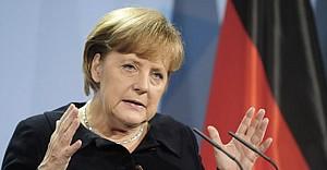 Merkel'den Türkiye anlaşmasına destek