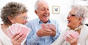 Felç geçiren hastalara 'kağıt oynamak...