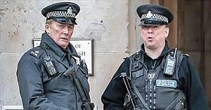 İngiltere'de askere terör gözaltısı