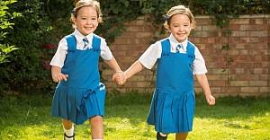 Yapışık doğan ikizler okullu oluyor