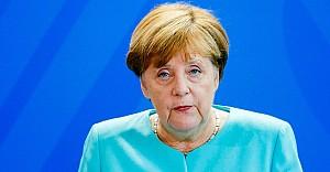 Merkel'den itiraf gibi mülteci açıklaması