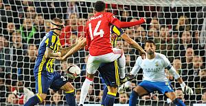 Fenerbahçe, Manchester United deplasmanında tutunamadı