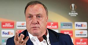 Fenerbahçe'nin hocası Advocaat, Manchester United maçı için konuştu