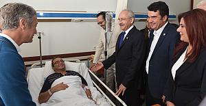 Kılıçdaroğlu, Bülent Tezcan'ı hastanede ziyaret etti