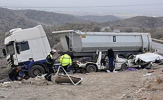 Girne yolunda feci kaza: 3 ölü 7 yaralı