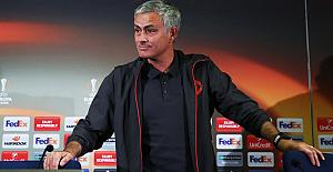 Jose Mourinho'ya men ve para cezası geldi