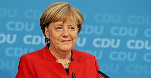 Merkel, tekrar aday olup olmayacağını açıkladı!