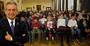 Kemal Ulusu, Londra'da 'Bilinmeyen Yönleriyle Atatürk'ü anlattı