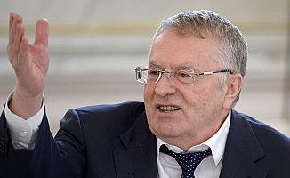 Vladimir Jirinovski Türkçe şarkı söyledi