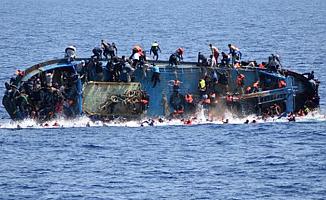 Ege Denizi'nde mülteci teknesi battı: 5 ölü