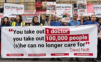 Halep'teki sivillere yönelik saldırılara Londra'da protesto