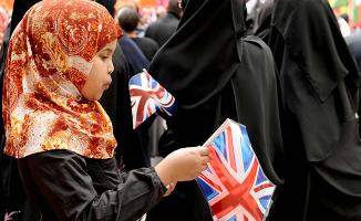 İngiltere'den, Müslümanlar hakkında çarpıcı rapor!