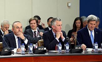 NATO Dışişleri, AB ile ilişkilerini geliştirmek için toplandı