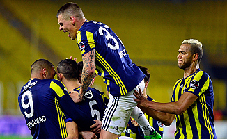 Fenerbahçe beraberlik sevinciyle yetindi