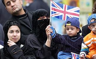 Müslümanlarla ilgili yanlış haberleri düzeltilecek