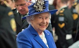 Kraliçesi Elizabeth, kaza kurşununa hedef oluyordu
