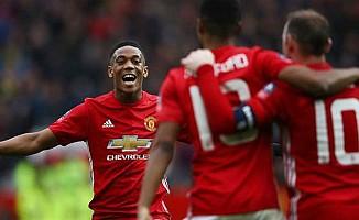 Manchester United, dünyanın en çok geliri olan kulüp
