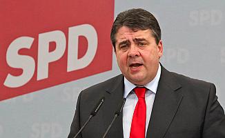 Merkel'in yardımcısından 'AB dağılıyor' itirafı