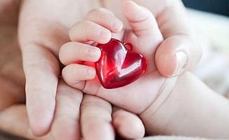 Bebeğin kalbine anne karnında baktırın