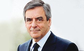 Cumhurbaşkanlığı adayı Fillon'un evine polis baskını