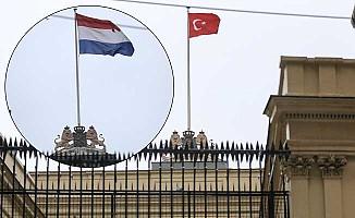 Hollanda Başkonsolosluğu'nda bayrak gösterisi!