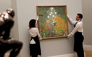"""Klimt'in """"Çiçek Bahçesi"""" rekor fiyata satıldı"""