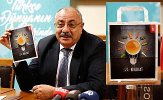 Türkeş, CHP'nin 'Hayır' posterinin esin kaynağını gösterdi