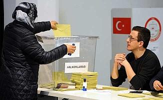 Yurt dışında 3 milyon seçmen sandık başında