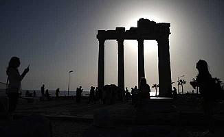 Apollon Tapınağı turistlerin vazgeçilmezi
